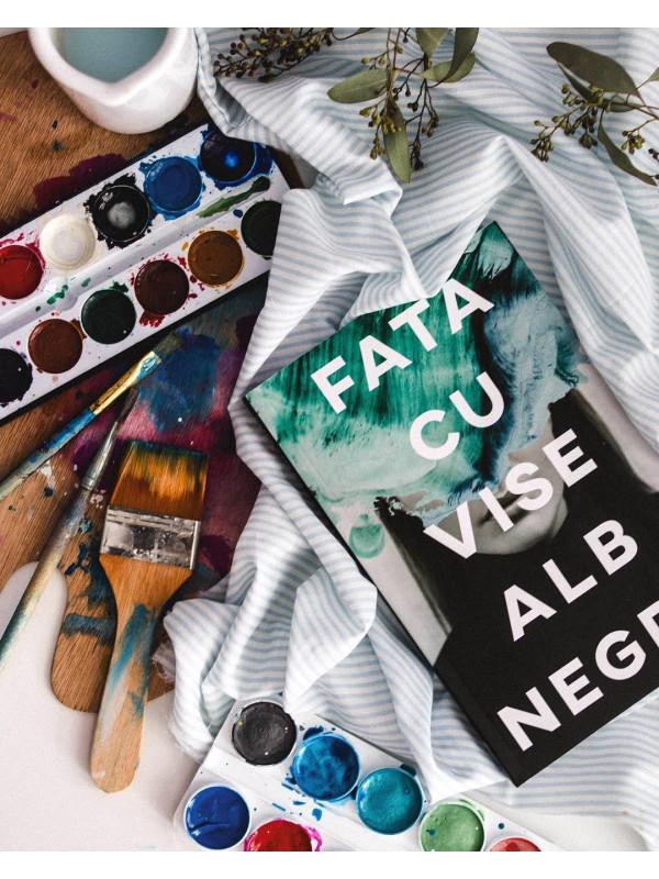 """Pachet Promoțional Andreea Russo """"Amintiri din Viitor"""", """"Fata cu vise alb-negru"""" și """"MoArt"""" (Cărți cu Autograf)"""